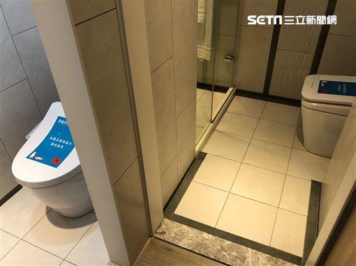 浴室。(圖/記者蔡佩蓉攝影)