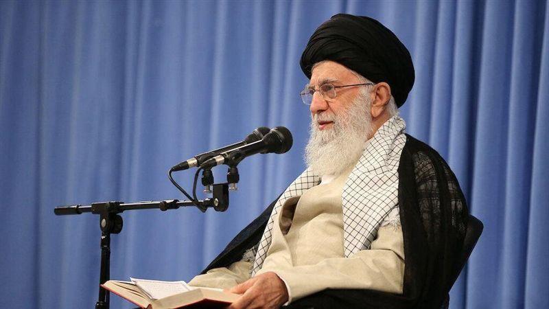 伊朗領袖推文貼似川普照片 以空中攻擊角度拍攝