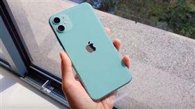 圖/翻攝自影片,iPhone11開箱