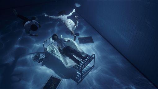 空總推舞蹈結合VR 呈現漸凍人內心世界C-LAB空總台灣當代文化實驗場委託InTW舞影工作室編創融合沉浸式劇場與VR影片的展演製作The Awake,呈現漸凍人的意識世界。(C-LAB台灣當代文化實驗場提供)中央社記者洪健倫傳真 108年9月17日
