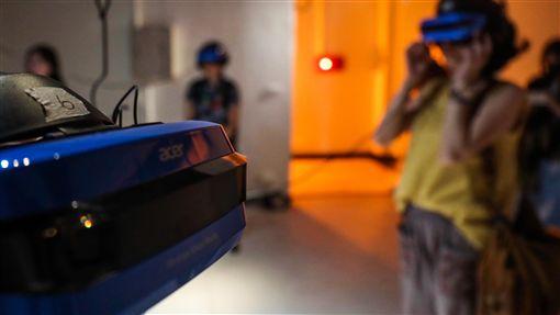 The Awake 以VR認識漸凍人症空總台灣當代文化實驗場20日將推出融合沉浸式劇場與VR影片的展演製作The Awake,17日提前公開亮相,讓民眾透過VR虛擬實境,了解漸凍人症。中央社記者吳家昇攝 108年9月17日