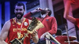 世界盃/小賈索「踩罐」…百萬人看傻 FIBA世界盃,西班牙國家隊,Marc Gasol,NBA,多倫多暴龍,總冠軍 翻攝自推特ClutchPoints