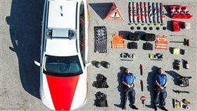 (圖/翻攝自臉書Kantonspolizei Zürich - Kapo ZH)瑞士,警察局,開箱照