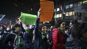 阿根廷,性別暴力,經濟惡化,女性,謀殺(美聯社)