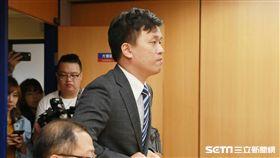 ▲劉玠廷出席桃猿轉賣樂天記者會。(圖/記者林士傑攝影)