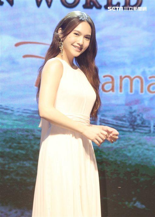 楊丞琳今(19號)已證實與李榮浩在安徽合肥領證結婚。(圖/記者邱榮吉攝影)