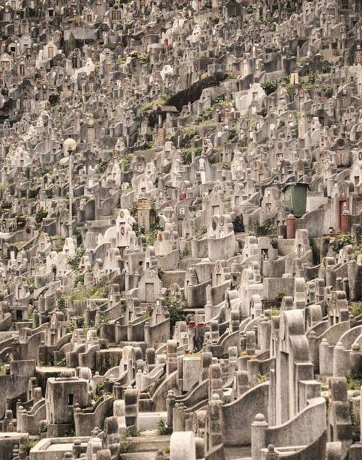 香港,墓地,攝影師,骨灰罈,房價,墓園https://twitter.com/MichaelShindler/status/1174189828327596033?ref_src=twsrc%5Etfw%7Ctwcamp%5Etweetembed%7Ctwterm%5E1174189828327596033&ref_url=https%3A%2F%2Fwww.chinatimes.com%2Fr