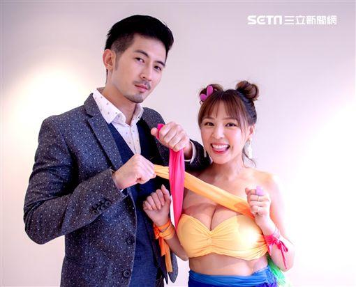 男星言明澔與女星熊熊在台視、三立週日偶像劇《網紅的瘋狂世界》中飾演一對歡喜冤家