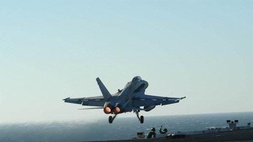 美國總統川普20日批准派遣美國部隊加強沙烏地防空能力。五角大廈考慮出動防空飛彈連、無人機和更多戰鬥機,也考慮把航母無限期留在中東地區。(圖/中央社)