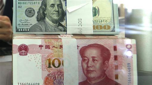 調查:中國年輕人要存滿60年才能安心退休14日發布的一項調查報告指出,中國大陸年輕人認為至少需要人民幣163萬元(約新台幣734萬元)才能安心退休。但依照目前每月平均儲蓄只有1339元計算,他們必須存滿60年。(中新社提供)中央社 107年8月15日-人民幣-數鈔-收入-薪水-薪資-
