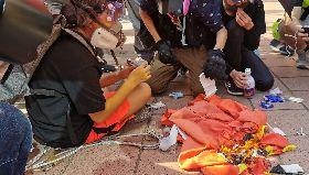 反送中 示威者焚燒五星旗(2)