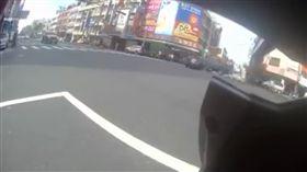 車禍撞早餐店釀10傷!小貨車完全沒減速 驚悚畫面曝光 圖/翻攝自彰化踢爆網臉書