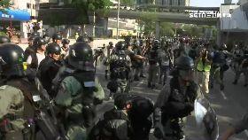 屯門爆衝突1700