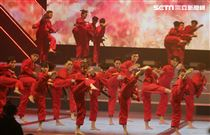 體育表演會震撼鉅獻創造國民體育日全民運動熱潮,全國20組頂尖體育團隊聯合表演。(記者邱榮吉/攝影)