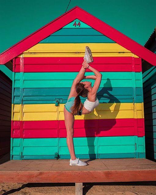 站立一字馬無難度爆紅大馬運動系美女性感照熱傳celine13 instagram