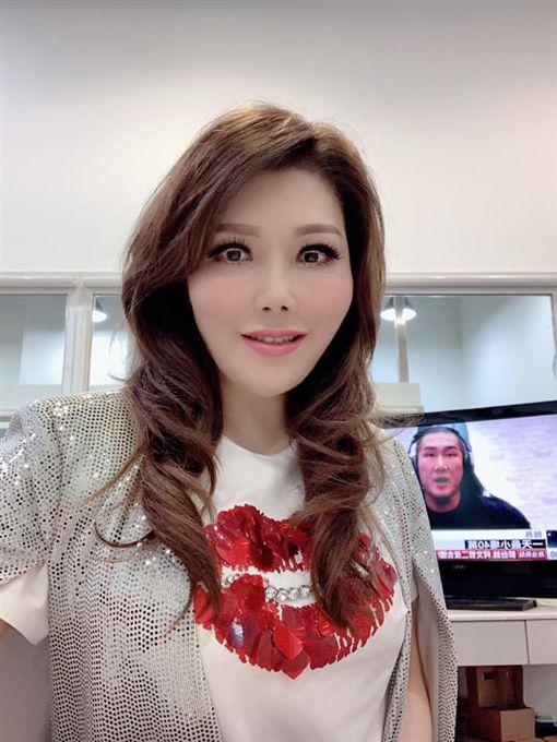 李佳芬,張雅琴/翻攝自臉書