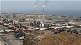 從1980年代起,沙烏地阿拉伯向來是台灣最大的原油進口國,依據經濟部能源局統計,最多曾占台灣全年進口原油量的近五成。(圖/美聯社/達志影像)