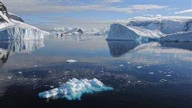 聯合國政府間氣候變遷問題小組(IPCC)的最後一次評估指出,南極洲的融冰將使海平面至多上升16公分。(圖取自Pixabay圖庫)