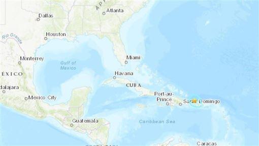波多黎各西北部海岸城鎮伊薩貝拉北方(星號處)24日發生規模6.3強震。(圖/翻攝自美國地質調查網頁earthquake.usgs.gov)