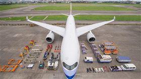 中華航空,開箱,飛機,跟風,地勤人員