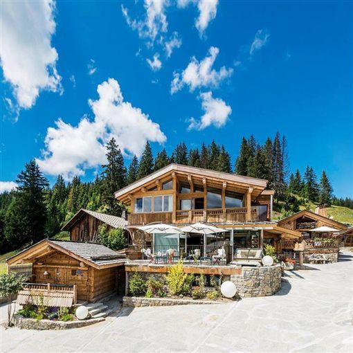 法國阿爾卑斯山區(Alps)的餐廳「森林之家」主廚槓米其林指南(La Maison des Bois)(圖/La Maison des Bois臉書)