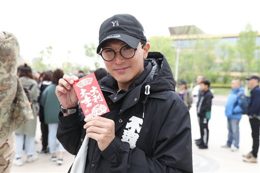 邱澤,張鈞甯(圖/翻攝自八歲的爸爸微博)