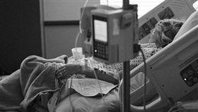 半百病妻要包尿布…尪竟冷吐「這句」!網怒轟:很驕傲嗎?(圖/翻攝自Pixabay)