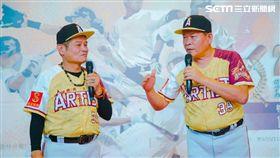 由澎恰恰、許效舜領軍組成的臺灣閃亮之星演藝明星棒球隊。圖/閃亮之星提供