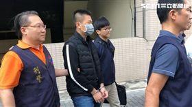 刑事局幹員在西門町逮槍毒犯,民眾誤以為幫派押人(翻攝畫面)