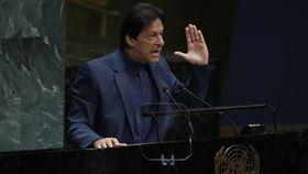 巴基斯坦總理伊姆蘭汗(Imran Khan)今天在聯合國警告,巴基斯坦和印度之間的克什米爾爭議,恐升級成為全面的核武戰爭,對世界帶來不利後果。(圖/美聯社/達志影像)