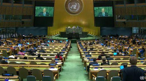 第74屆聯合國大會總辯論第5天,續有4友邦發聲挺台,吐瓦魯表明支持中華民國以創始成員身分重返聯合國。圖為吐瓦魯副總理陶波發表談話。(圖取自聯合國YouTube頻道網頁)
