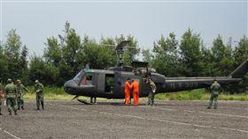 台服役已約50年的UH-1H直升機,10月30日將在台中新社602旅舉辦除役典禮。(中央社檔案照片)
