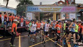 第3屆國際扶輪慈善公益路跑活動29日清晨在瑞芳舉辦,3000多名跑友在鳴槍後起跑。(安得烈慈善協會提供)中央社記者王鴻國傳真 108年9月29日