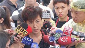 929台港大遊行,香港歌手何韻詩遭潑漆。
