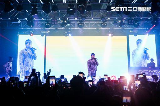 韓裔美籍的男星Jay Park(朴載範)出道第11年,從團體2PM離開之後便專注於音樂創作上,而他的獨特唱風更是吸引一票粉絲喜愛,29日帶著旗下藝人之一的HAON與《Show me the money 》出道的Woo(禹元宰)於台北ATTSHOWBOX大直館舉辦《SEXY 4EVA》演唱 圖/德碩文化提供