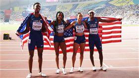 世界田徑錦標賽1600公尺男女混合接力決賽結果出爐,美國隊以3分9秒34的成績奪下金牌。(圖取自facebook.com/WorldAthleticsClub)