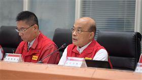 行政院長蘇貞昌30日視察米塔颱風中央災害應變中心。(圖/行政院提供)