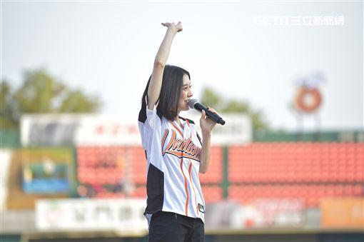 白安開球新聞稿+照片 照片請寫:統一7-ELEVEn 獅 棒球隊提供