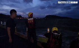高雄,西子灣,燈塔,釣客,颱風,海巡,救人
