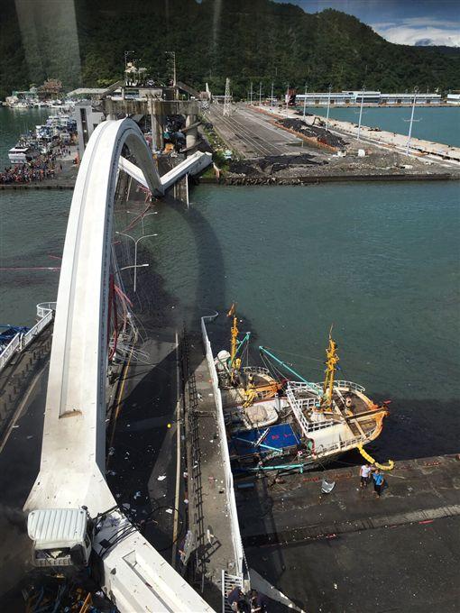 南方澳大橋崩塌(圖/民眾提供)