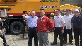 內政部長徐國勇第一時間趕赴宜蘭南方澳處理。