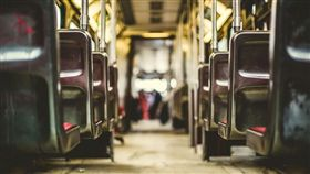 巴士,乘客,山谷,死亡(圖/翻攝自Pixabay)