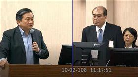 民進黨立委王定宇與移民署長邱豐光。(圖/翻攝立法院直播系統)