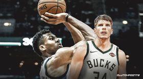 NBA/頂級射手授課!MVP認真聽 NBA,密爾瓦基公鹿,Brook Lopez,Kyle Korver,投籃 翻攝自推特ClutchPoints