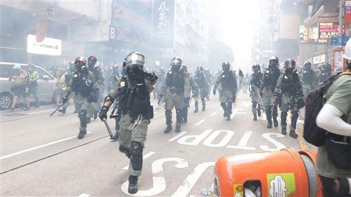 港警,武力使用手冊,修訂,槍械使用,擴大(圖/中央社)