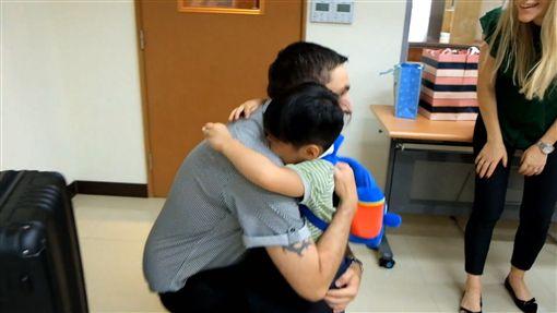 挪威夫妻收養台灣4歲遲緩兒龍龍(兒福聯盟提供)