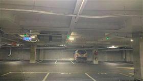▲中和好市多自開始實施停車收費後,停車場空蕩蕩一片。(圖/翻攝好市多消費經驗老實說)