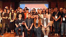 菲台合辦大型國際音樂節 台灣3樂團參與菲律賓和中華民國文化部合辦的國際音樂節「菲律賓SONIK」將於4、5日在馬卡蒂市舉行,參與音樂節的台菲樂團和音樂人3日在記者會上合影。中央社記者陳妍君馬尼拉攝 108年10月3日