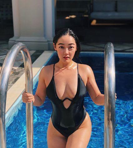 Esther Bae(圖/翻攝自IG)