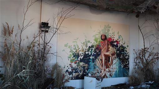 藝術家一次性塑膠創作的藝術品藝術家旺德運用一次性塑膠創作藝術,刺激觀賞者思考環保議題。中央社實習記者黃靖貽柏林攝  108年10月5日